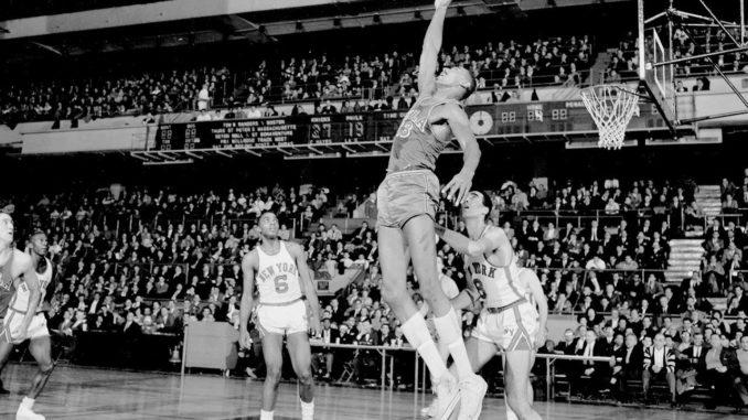 Уилт Чемберлен - лидер НБА по подборам за всю историю