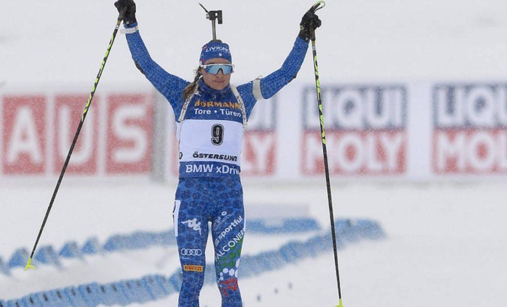 Доротея Вирер финиширует первой в масс-старте на чемпионате мира-2019