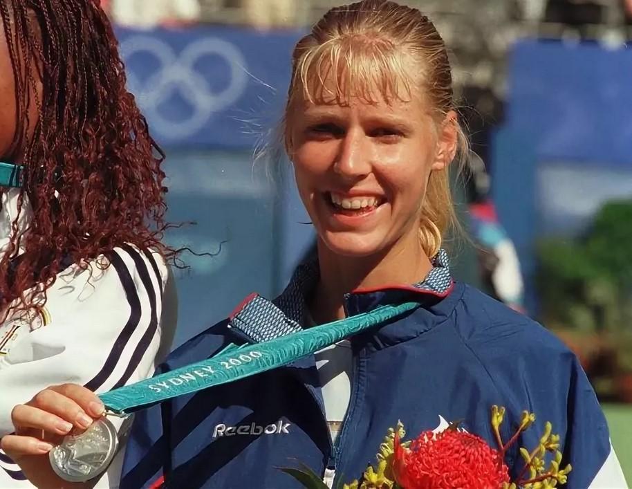 Елена Дементьева - серебряный призер Олимпиады-2000