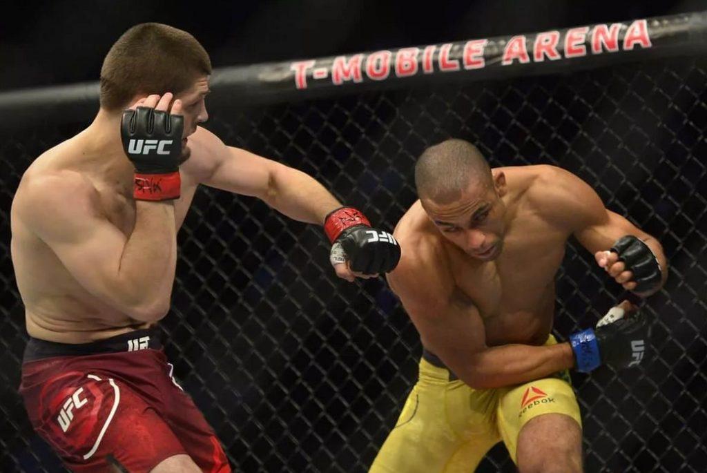 Хабиб Нурмагомедов-Эдсон Барбоза (UFC 219)