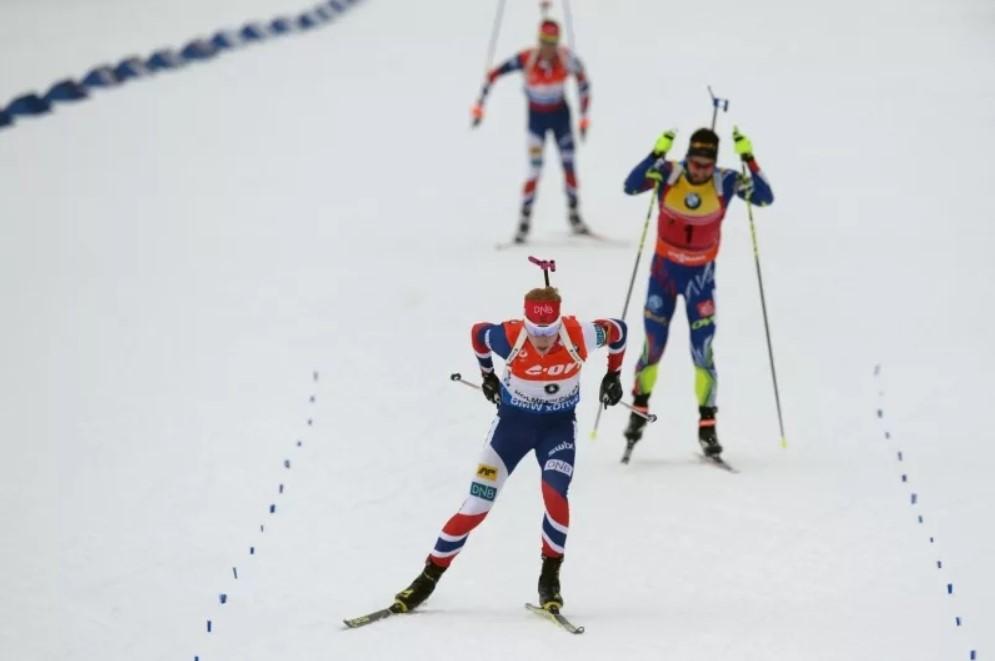 Йоханнес Бе становится победителем масс-старта на чемпионате мира-2016