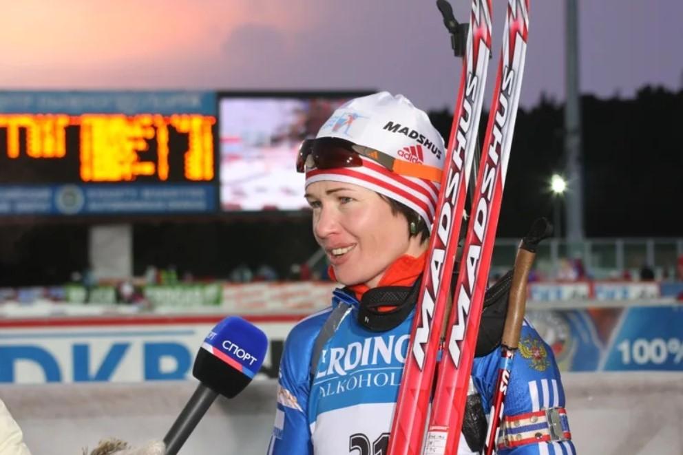 Ольга Медведцева дает интервью после финиша на этапе Кубка мира