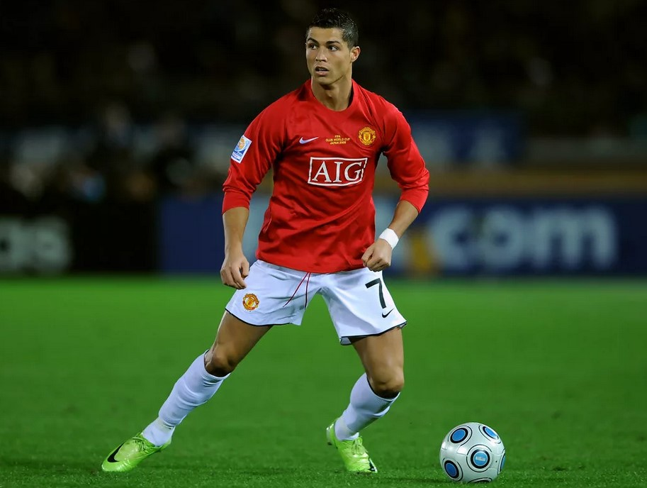 В «Манчестер Юнайтед» Криштиану Роналду стал звездой мирового футбола
