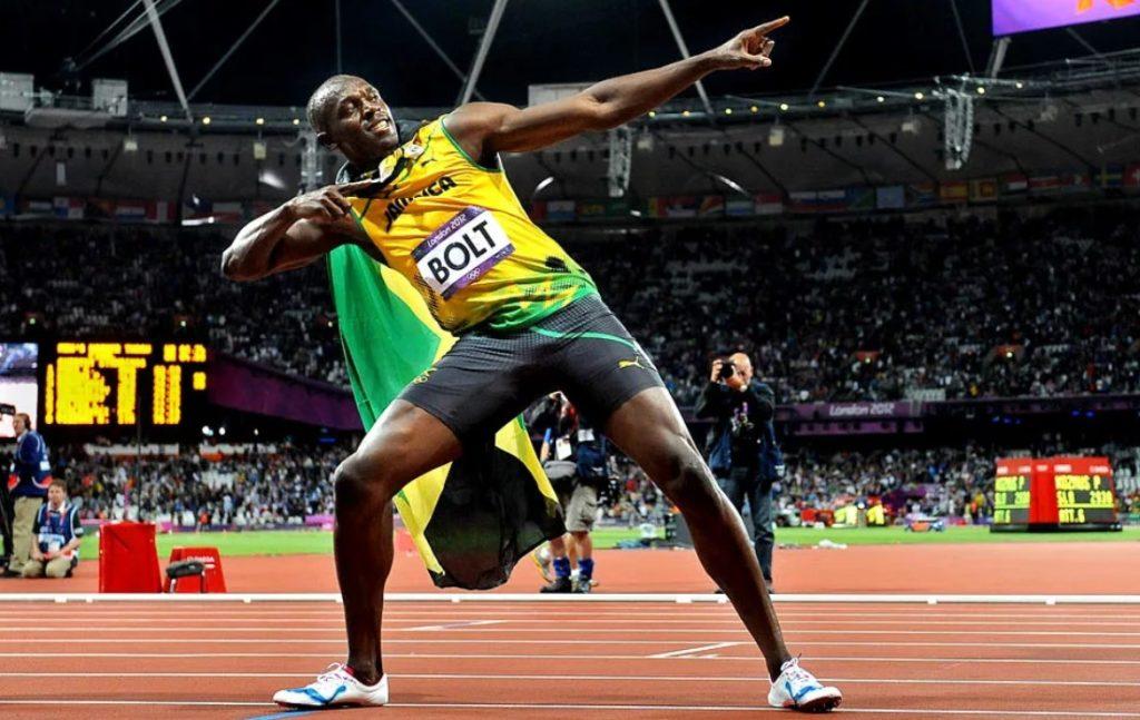 Усэйн Болт празднует очередную победу (Олимпийские игры-2012)