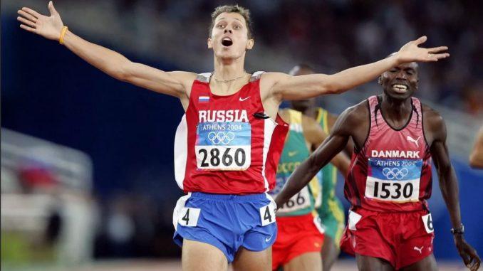 Юрий Борзаковский выигрывает забег на 800 м на Олимпиаде-2004